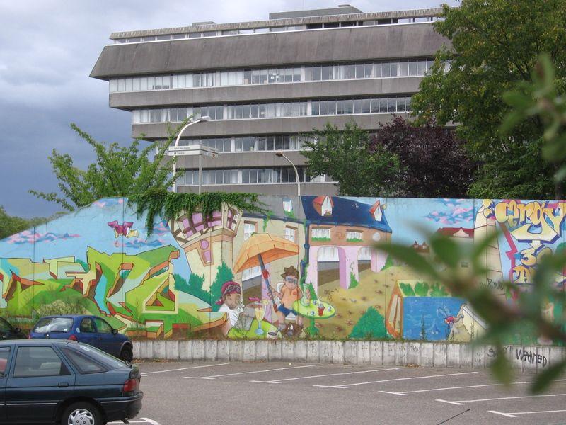 20090903 17h56 Mur parking et préfecture