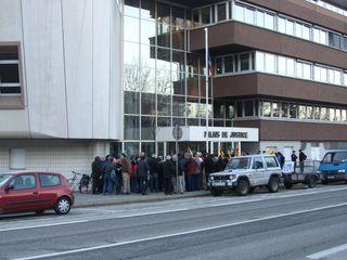 20110208 08h23 Devant le palais de justice IMG_3422